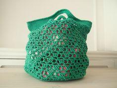 pattern from picotentricot Crochet Star Stitch, Crochet Stars, Diy Crochet, Double Knitting Patterns, Crochet Blanket Patterns, Beginner Crochet Projects, Textiles, Knitted Bags, Crochet Clothes