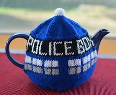Free knitting pattern for TARDIS Tea Pot Cozy Gail Hodgman's tea pot cozy for Doctor Who fans!
