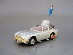 JAMES BOND 007 ASTON MARTIN DB5 No. 270 with EJECTOR SEAT die cast  by Corgi Toys by LUNZERLAND., via Flickr