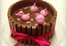 O bolo de Kit Kat ganhou porquinhos e se transformou em fofo chiqueirinho, da Andrea Schwarz. Foto: Divulgação