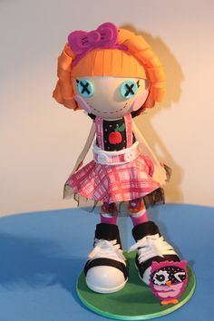 LALALOOPSY BEA SPELLS (10 Inches Tall)  Used for decoration of rooms, birthday parties, offer to tops of cakes, etc..  This product is prepared by hand 100%, hence the measures may vary significantly, and there are also some models with sizes lower or higher than stated.