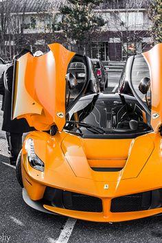 Ferrari Laferrari, Ferrari Car, Foto Cristiano Ronaldo, Ford Mustang, Bmw M Power, F12 Berlinetta, Fancy Cars, Sweet Cars, Expensive Cars
