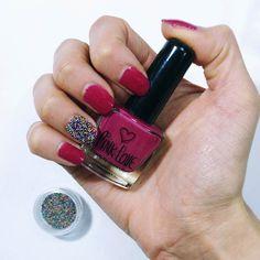 Mis uñas de la semana!  Esmalte morado de Pink Love de @todomodaoficial  uña caviar para darle un detalle mas . Tenía estas perlitas para uñas caviar de hace mucho y es la primera vez que las uso. Me gusta como queda peeero no creo que me vayan a durar mucho ya estoy dejando perlitas por todos lados . Probaron esta tecnica? Que tengan hermoso día!!        #nailsinspo #nailstyles #nailslovers #nailaddicted #nailpolishlove #nailaholic #nailpolishes #nailaddiction #nailaddicts #nailarts…