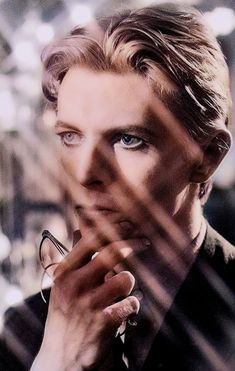 Cœur de glace rappelle toi de l'incendie Ziggy Stardust, Pretty Star, Pretty Men, The Thin White Duke, Music Love, Thing 1, Role Models, Rock N Roll, The Man