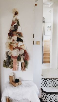 Here are best boho Christmas decor ideas. From Boho chic Christmas tree to DIY Ornaments & Stockings to Colorful Bohemian Christmas decor ideas are here. Bohemian Christmas, Shabby Chic Christmas, Diy Christmas Tree, Christmas Tree Decorations, Christmas Holidays, Modern Christmas, Wall Hanging Christmas Tree, Natural Christmas Tree, Burlap Christmas