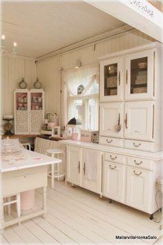 Shabby Chic Cottage kitchen decor