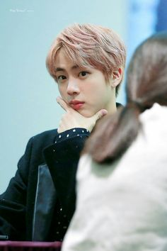 Jin ❤ BTS at the Yongsan Fansign #BTS #방탄소년단