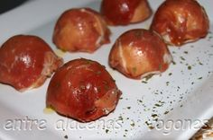 Bombones de jamón Chocolates, Food Decoration, Canapes, Holidays And Events, Baked Potato, Recipies, Appetizers, Snacks, Fruit
