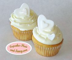 White Heart Cupcakes - Easy for Valentines or Wedding Bridal Shower Cupcakes, Wedding Cakes With Cupcakes, Cupcake Party, Cupcake Cakes, Cupcake Wedding, Cupcakes Design, Heart Cupcakes, Yummy Cupcakes, Pretty Cupcakes