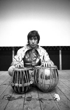 Charlie Watts, The Rolling Stones Rolling Stones Albums, Rolling Stones Music, Rolling Stones Logo, Rock And Roll Bands, Rock N Roll, Their Satanic Majesties Request, Rollin Stones, Instruments, Swinging London