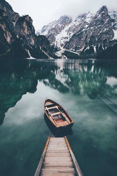 Stunning Travel Scenes Johannes Hulsch is a talented 20 years old self-taght photographer and student based in Leipzig, Germany. Johannes shoots a lot of landscape, travel and nature photography. He is currently studies … Landscape Photography, Nature Photography, Travel Photography, Mountain Photography, Photography Classes, Photography Jobs, Inspiring Photography, Photography Aesthetic, Photography Hashtags