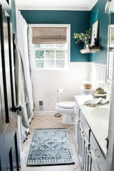 s / Guest Bathroom Makeover Reveal &;s / Guest Bathroom Makeover Reveal &;er House Manuela H. Home is where your heart is Kid&;s / […] room makeover on a budget Room Makeover, Diy Bathroom, Home, Bathroom Remodel Master, Bathroom Makeover, Guest Bathroom, Guest Bathrooms, Mold In Bathroom, Bathroom Design