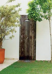 CASA COISAS & TAL: Chuveiro de jardim