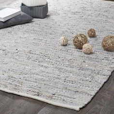 Tapis en cuir beige et gris 140 x 200 cm BASICS 80 euros Green Carpet, Beige Carpet, Carpet Decor, Rugs On Carpet, Cost Of Carpet, Rug Runners, Cheap Rugs, Furniture, Beige