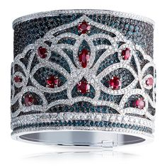 A Fabergé bangle set in 18K white gold and features 2,172 alexandrites, rubies and diamonds totalling 95.38 carats.