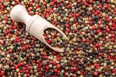 Black pepper is one of the most famous spices in the world. Learn about how pepper grows, where it comes from, and its health benefits from The Old Farmer's Almanac. Black Pepper Plant, Pepper Plants, Korn, Common Spices, Bland Food, Old Farmers Almanac, Natural Honey, Best Essential Oils, Plant Species