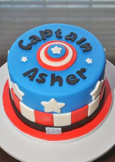 Hope's Sweet Cakes: Captain America Cake aww what a great way to make someone's birthday cake personalized
