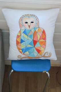 RETRO-pasteller Owl, Throw Pillows, Retro, Toss Pillows, Cushions, Owls, Decorative Pillows, Decor Pillows, Retro Illustration