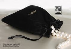Coulisse bag in velluto Fashion Packaging, Jewelry Packaging, Smart Packaging, Wooden Hangers, Pearl, Velvet, Woman, Bags, Handbags