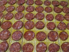 Sausage, Food And Drink, Pizza, Ethnic Recipes, Party, Basket, Sausages, Fiesta Party, Parties