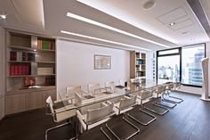 Classical elegance | Chiomenti Studio Legal Office by Stefano Tordiglione Design Hong Kong