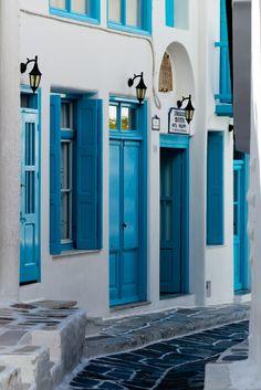 "breathtakingdestinations: "" Mykonos - Greece (by Elf-8) """