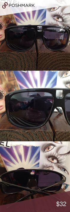 MENS QUAY BLACK SUNNIES AUTHENTIC QUAY SHINY BLACK ACRYLIC FRAMES. THEY HAVE THE STANDARD UV3 SUN PROTECTION POLYCARBONATE LENSES. Quay Australia Accessories Sunglasses