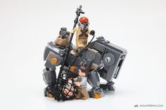 LEGO Teedo and Luggabeast from The Force Awakens
