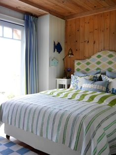 Interior designer Sarah Richardson transforms her second home, a tiny island cottage, into a relaxing space with rustic charm. Tour the house to see how the stunning views inspired every room& design. Beach Bedroom Decor, Bedroom Themes, Beach House Decor, Home Bedroom, Home Decor, Bedroom Ideas, Summer Bedroom, Master Bedroom, Beach Houses