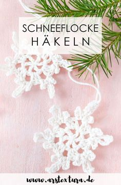 Einfache Schneeflocken häkeln mit Video-Anleitung: Gehäkelte Schneeflocken sind eine hübsche Fenster- oder Weihnachtsbaumdekoration. #schneeflocke #häkeln Diy Blog, Merry Little Christmas, Diy Weihnachten, Crochet Projects, Advent, Create Yourself, Knit Crochet, Crochet Earrings, Crafty