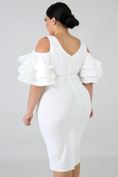 Fun Flare Body-Con Dress at Diyanu Latest African Fashion Dresses, African Dresses For Women, African Attire, Modern African Dresses, African Lace Styles, African Dress Designs, Stylish Gown, Mode Glamour, Lace Dress Styles