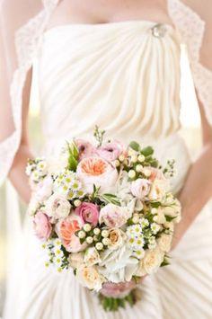bouquet de mariée, bouquet, romantique, camomille, rose, blanc, pêche, rose ancienne