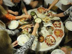La cocina de la Bella Abuela: Bagna cauda Fondue, Punch Bowls, Bella, Dining, Bagan, Cooking Ideas, Wine, Dishes, Homemade