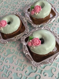 Mint Green Shabby Chic Mini Donuts perfect for weddings or tea parties!! By Chasing Pink Fireflies