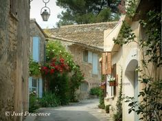 Oppède le vieux in Luberon #Provence