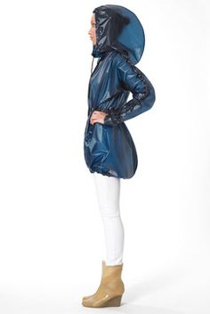 4608c51e1a40 Terra New York- Cycling-ready heat-sealed rainwear that looks hot too Hobo.  Hobo Chic StyleDesigner RaincoatsClear ...
