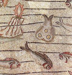 The mosaics in Aquileia's Basilica of Santa Maria Assunta - Italian Ways Ancient Rome, Ancient Art, Art Romain, Modern Stained Glass, Byzantine Art, Roman History, Roman Art, Early Christian, Santa Maria