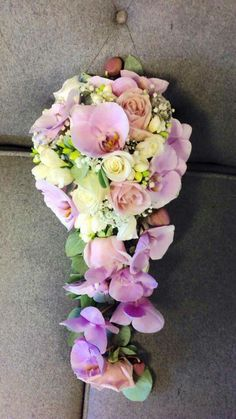 A beautiful shower bouquet #moddershalloaks #parsleyandsage #weddingseason
