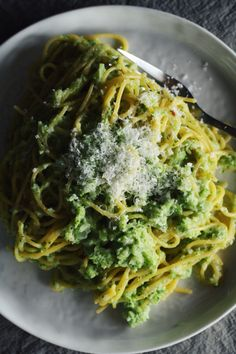 broccoli cream pesto pasta | the thoughtful plate