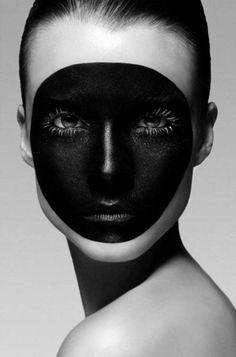 paint it black Make-up Artist : Rae Morris Photography : Marc Debman White Photography, Portrait Photography, Fashion Photography, Black N White, Black White Photos, White Pic, Solid Black, Rae Morris, Make Up Art
