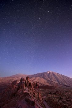 Teide National Park, much to early in the morning, but alone with Teide mountain and the stars. Nature Photography, Travel Photography, Arizona, Canario, Canary Islands, Travel Memories, Spain Travel, Adventure Is Out There, Nature Photos