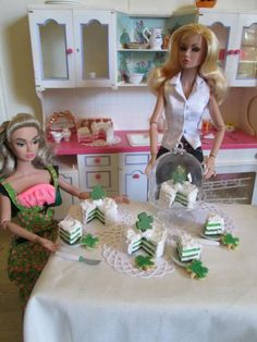 Photo by Elizabeth Neault Action Figures, Scale, Barbie, Dolls, Happy, Inspiration, Dioramas, Weighing Scale, Baby Dolls