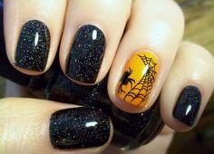 beautiful halloween nail art   quizá del revés, pintar todas las uñas de negro con purpurina y ...
