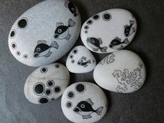 Pebbles. Lots more examples on this site.