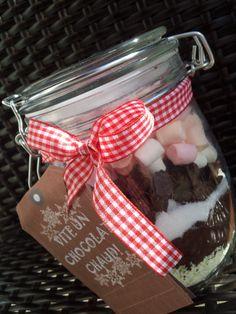 db13cb60183f Bocaux de chocolat chaud au marshmallow  Cadeau gourmand. Cadeau Fait  MaisonCadeau ...