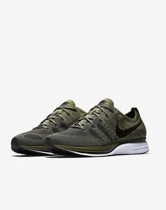 Nike Flyknit Trainer: Olive