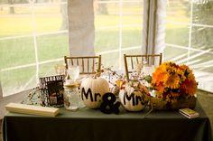 my fall wedding <3 Sweetheart table. Pulz/Ball 2011.