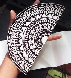 "20 Me gusta, 5 comentarios - AURY/ART (@auryelsalvador) en Instagram: ""Súper sticker hecho a mano ❤ #auryelsalvador @cend.i #mandala #stickers #art #lovemandalas…"""