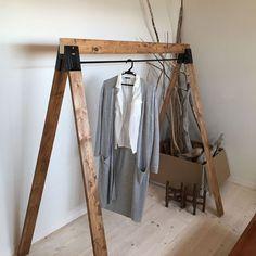 洋服収納の達人から学ぶ!ワードローブを使ったお洒落な収納術♡   folk