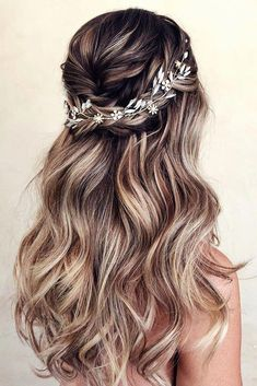 30 Wedding Hair Half Up Ideas We collected the best wedding hairstyles half up half down that will never go out of style. This bridal hair ideas suitable for any wedding theme. Wedding Hair Half, Wedding Hairstyles Half Up Half Down, Wedding Hairstyles For Long Hair, Box Braids Hairstyles, Wedding Hair And Makeup, Bride Hairstyles, Down Hairstyles, Wedding Bride, Hairstyle Ideas